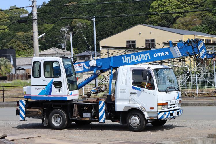 トラッククレーン 7t